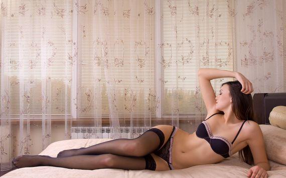 еротичне домашнє фото